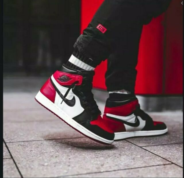 Nike Air Jordan Retro 1 High OG Bred Toe Size 9.5 100 Authentic