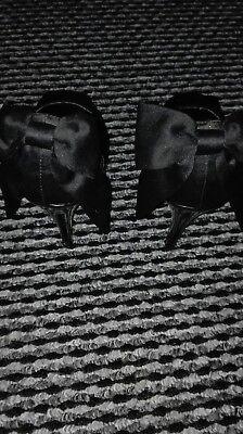 Negro carvela punta abierta zapatos talla 4