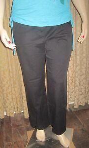Lizgolf-Audra-16-Flattering-Black-Pants-with-White-Accent