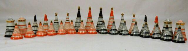 Unique Russian Ukrainian Porcelain Chess Pieces. Baranovka. 1970s
