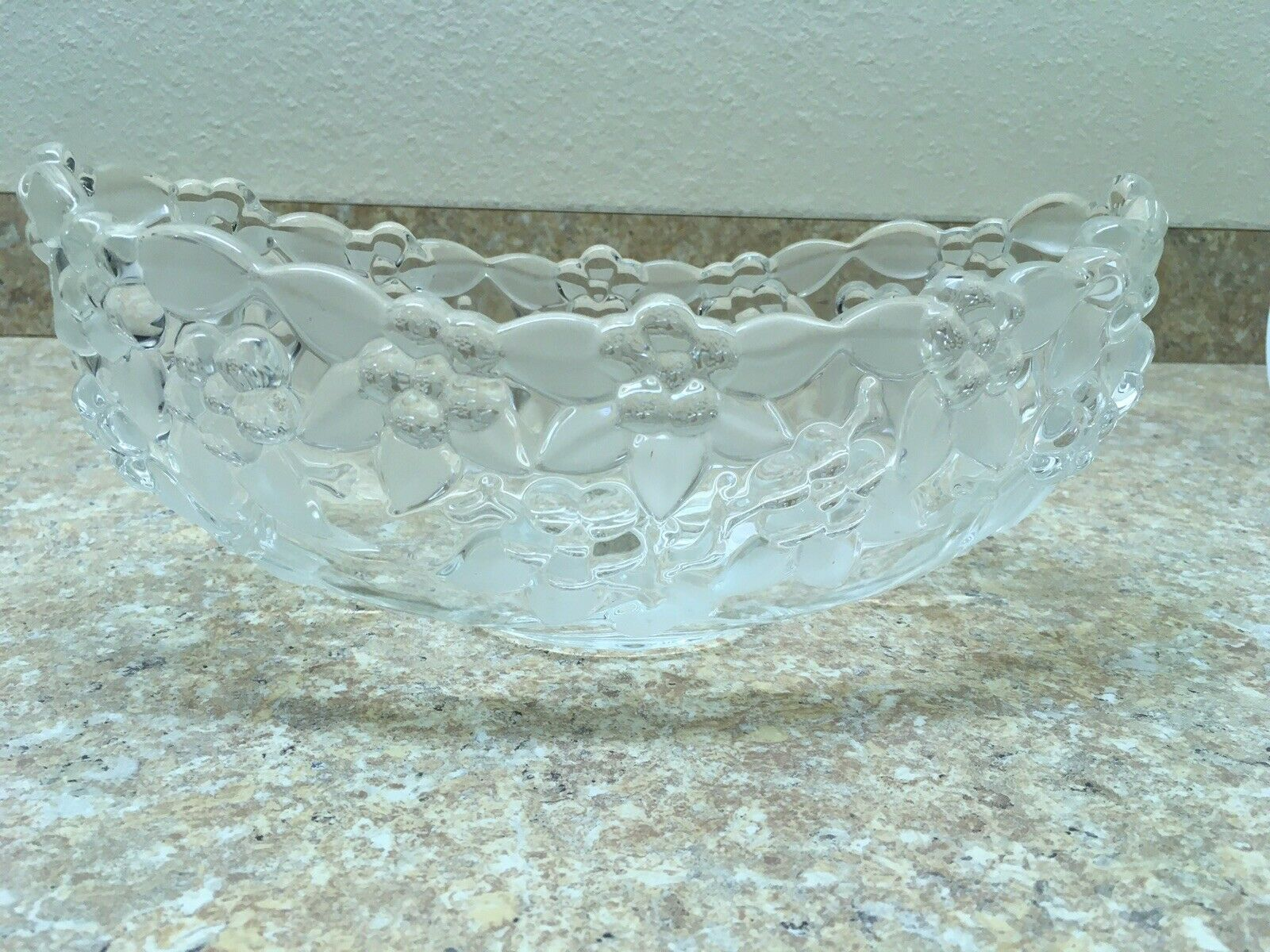 3-Part Relish Dish and Hostess Bowl 6 Point Shape Frosted Leaves Mikasa CARMEN 10\u201d Pair Bowl Set Embossed Flowers