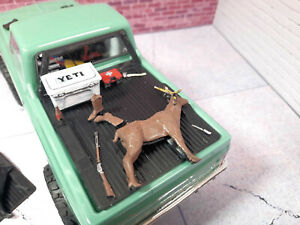 Theme-Bed-Deer-Hunter-Model-1-24-scale-SCX24-C-10-3d-printed-RC-prop-Kit-USA