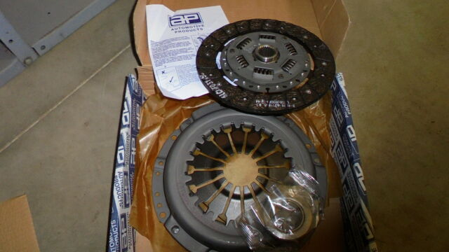 Triumph TR7 2.0 litre ** 3 Piece CLUTCH KIT ** NEW Cover, plate + bearing