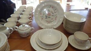 Vintage-Stoneware-Dinnerware-Set-International-China-Chalet-Loiret-ser-12-11sauc