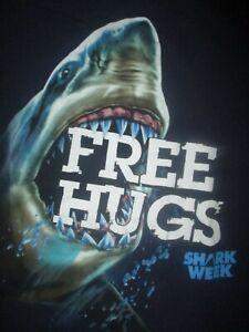 Shark Woche Free Hugs T-Shirt Discovery Channel Groß Weiß Zähne Erwachsene Groß
