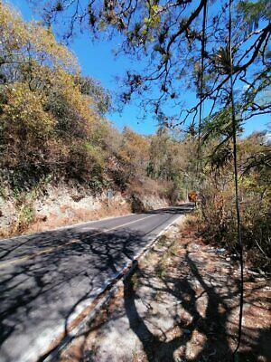Propiedad de 4 has Junto al Santuario en Valle de Bravo colindando con el lago