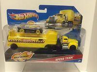 HOT WHEELS TRANSPORT TRUCK COMBAT HAULER - B3908 Toys