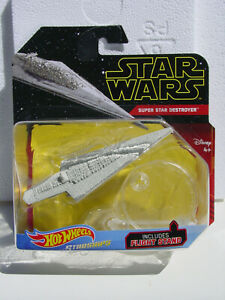 HOT-WHEELS-STAR-WARS-STARSHIPS-SUPER-STAR-DESTROYER-w-PIVOTAL-FLIGHT-STAND-NEW