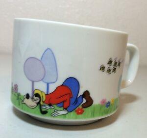 Vintage-Goofy-Walt-Disney-Productions-Souvenir-Mug-Porcelain-Japan
