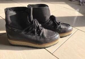 Details zu Tamaris Damen Schuhe Marcel Ostertag Stiefel Stiefeletten Boots Schnür Cloud