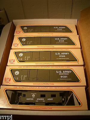 HO  IHC US ARMY TRAIN SET US ARMY 4 BOX CARS & CABOOSE  FOUR ROAD # BBM-1001 USA