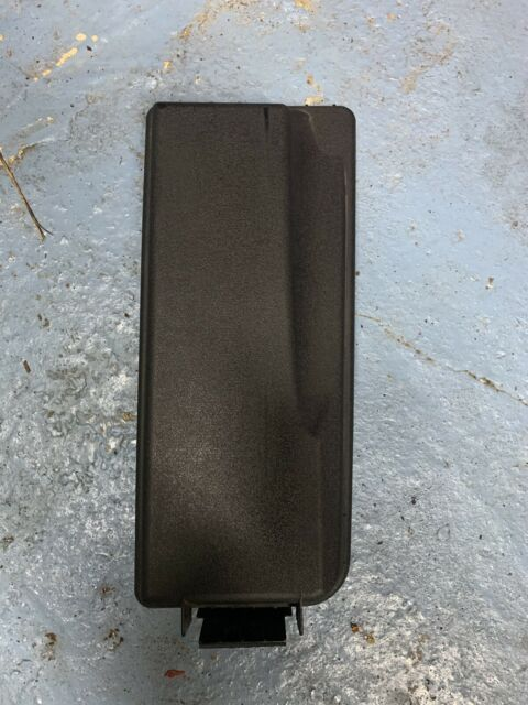 Vauxhall / Opel Vectra C fuse box cover - lid 24438039