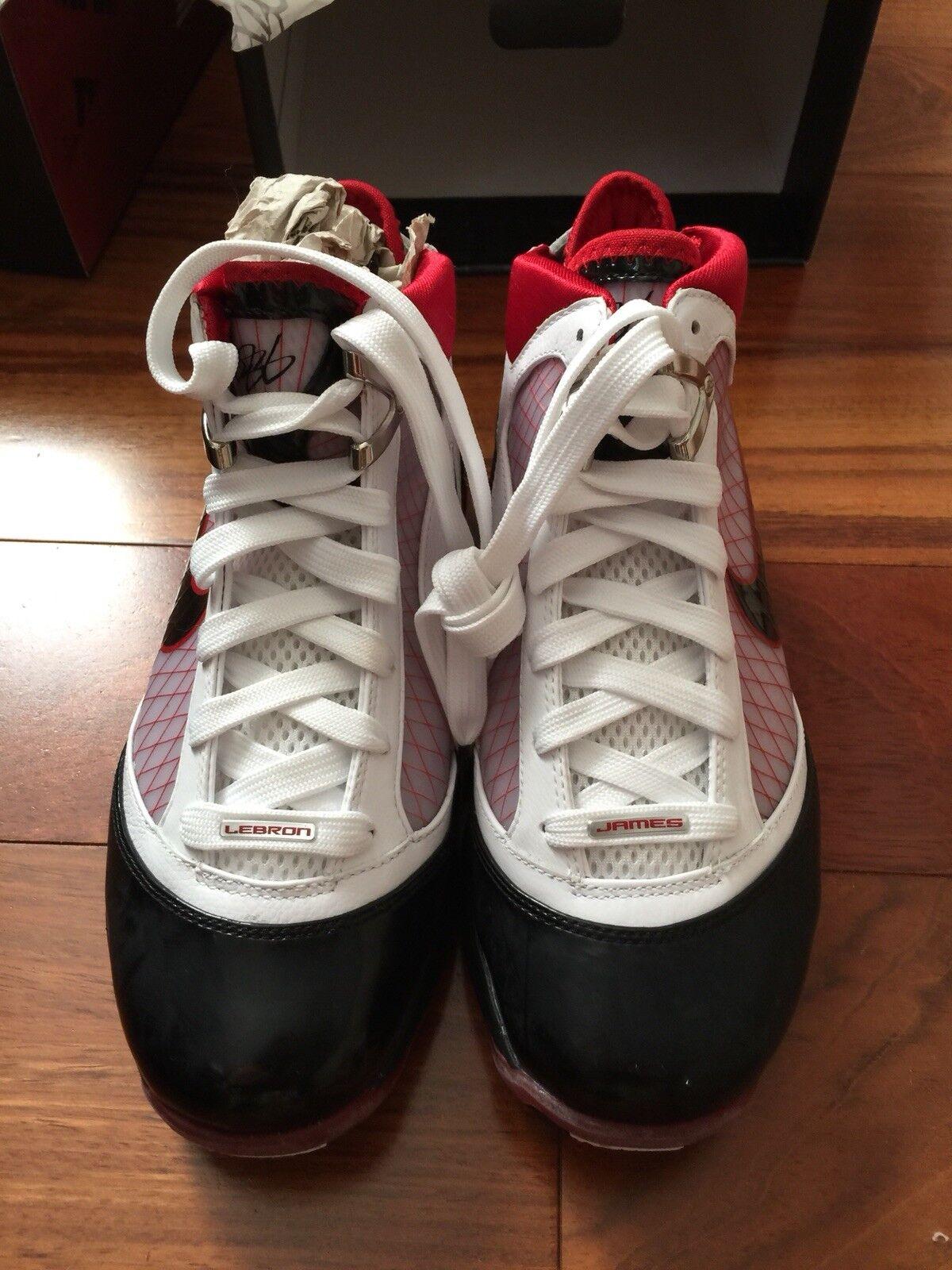 Nike air max max max lebron james 7 vii schuhe größe 6 weiß - rot - schwarz cavs da90b5
