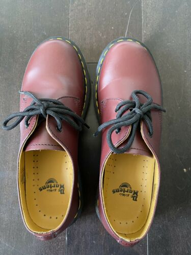 Dr. Martens Smooth Leather Oxford Shoes Women's Si