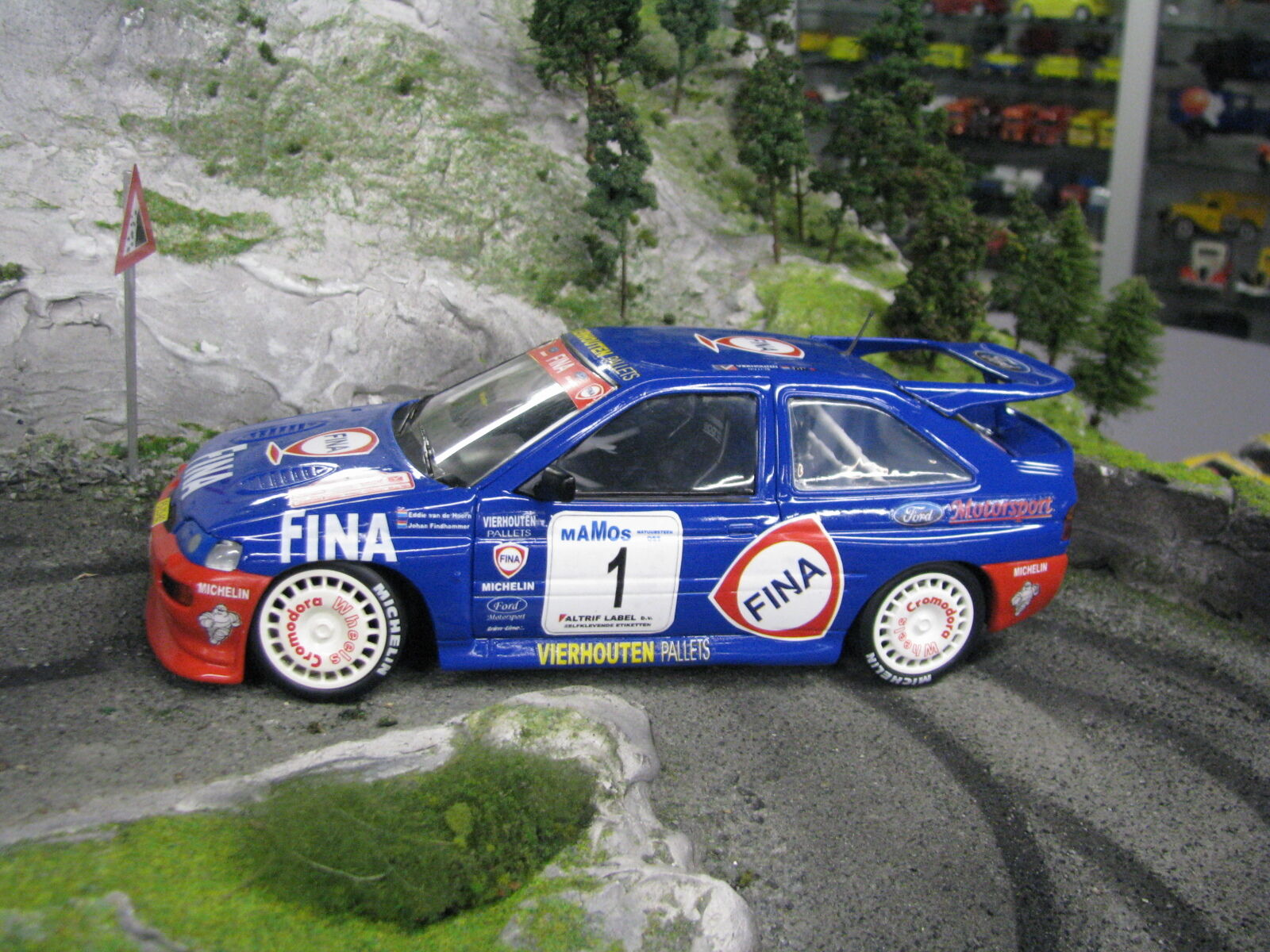 UT Models Ford Escort RS Cosworth 1998 1:18  1 van den Hoorn / Findhammer