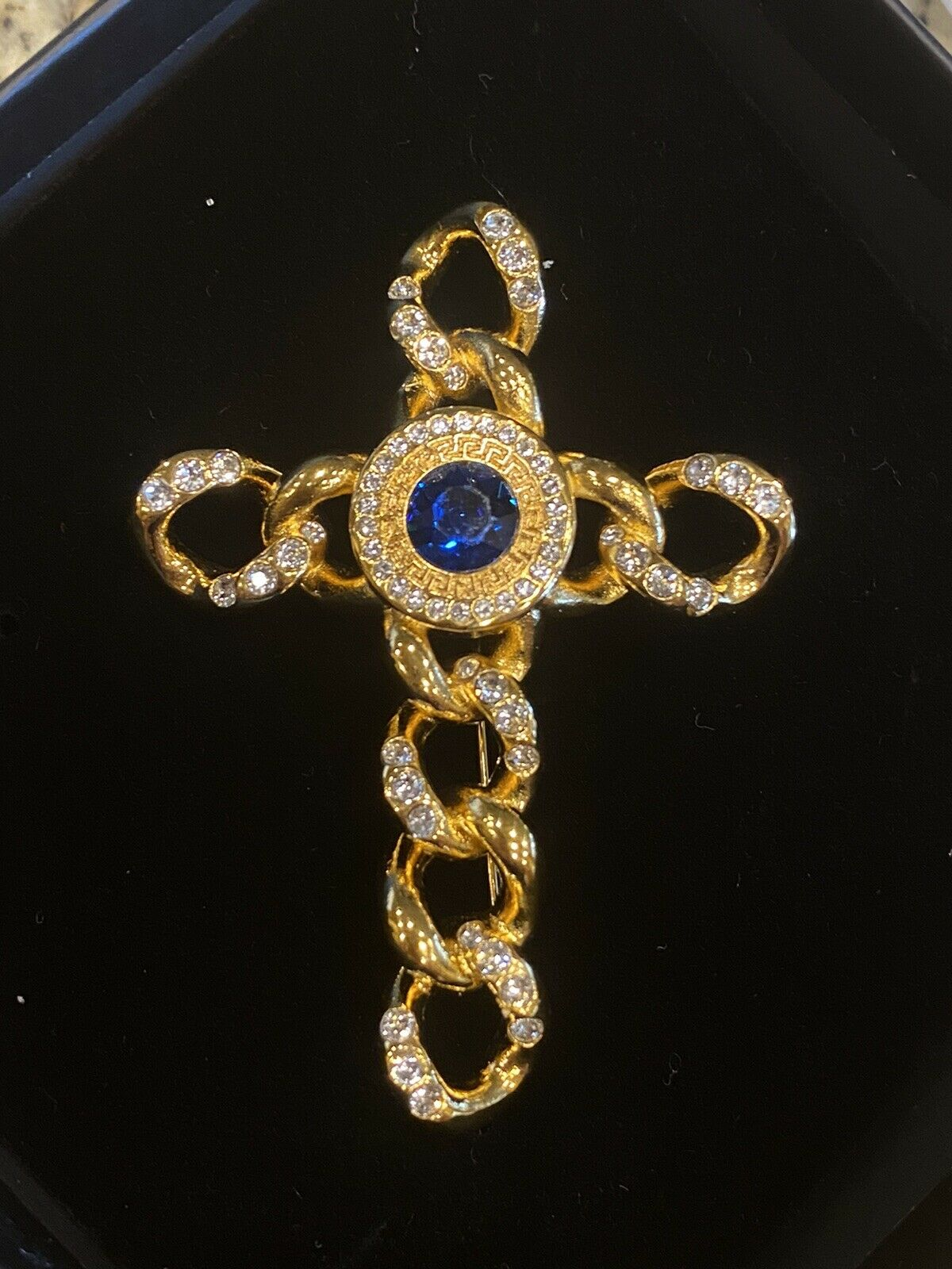 SIGNED VINTAGE GOLD PLATED GIANNI VERSACE CRYSTAL… - image 8