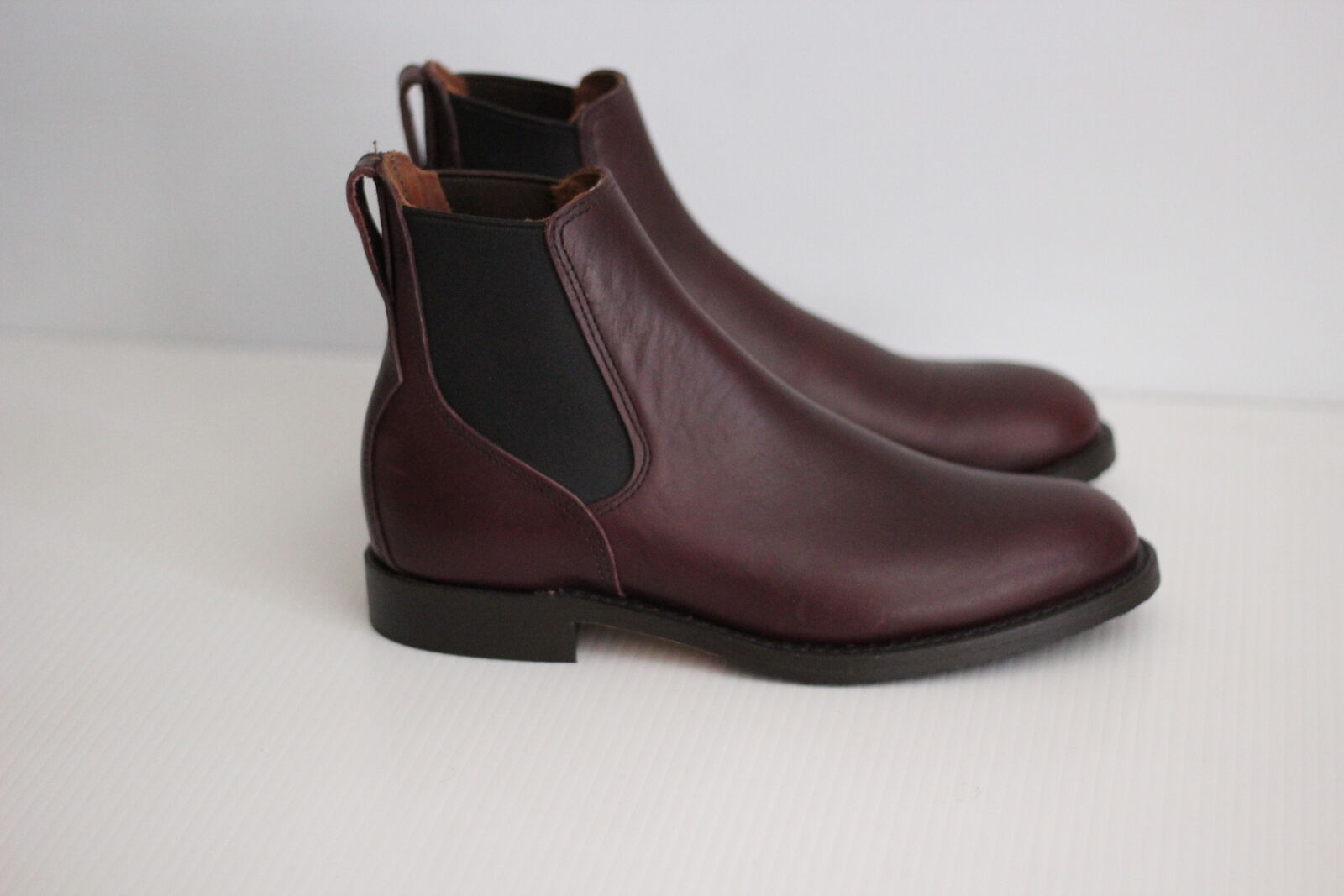 NEW Red Wing 9077 6  Chelsea Boot - Black Cherry   Burgundy - 7.5 D  (Y80)