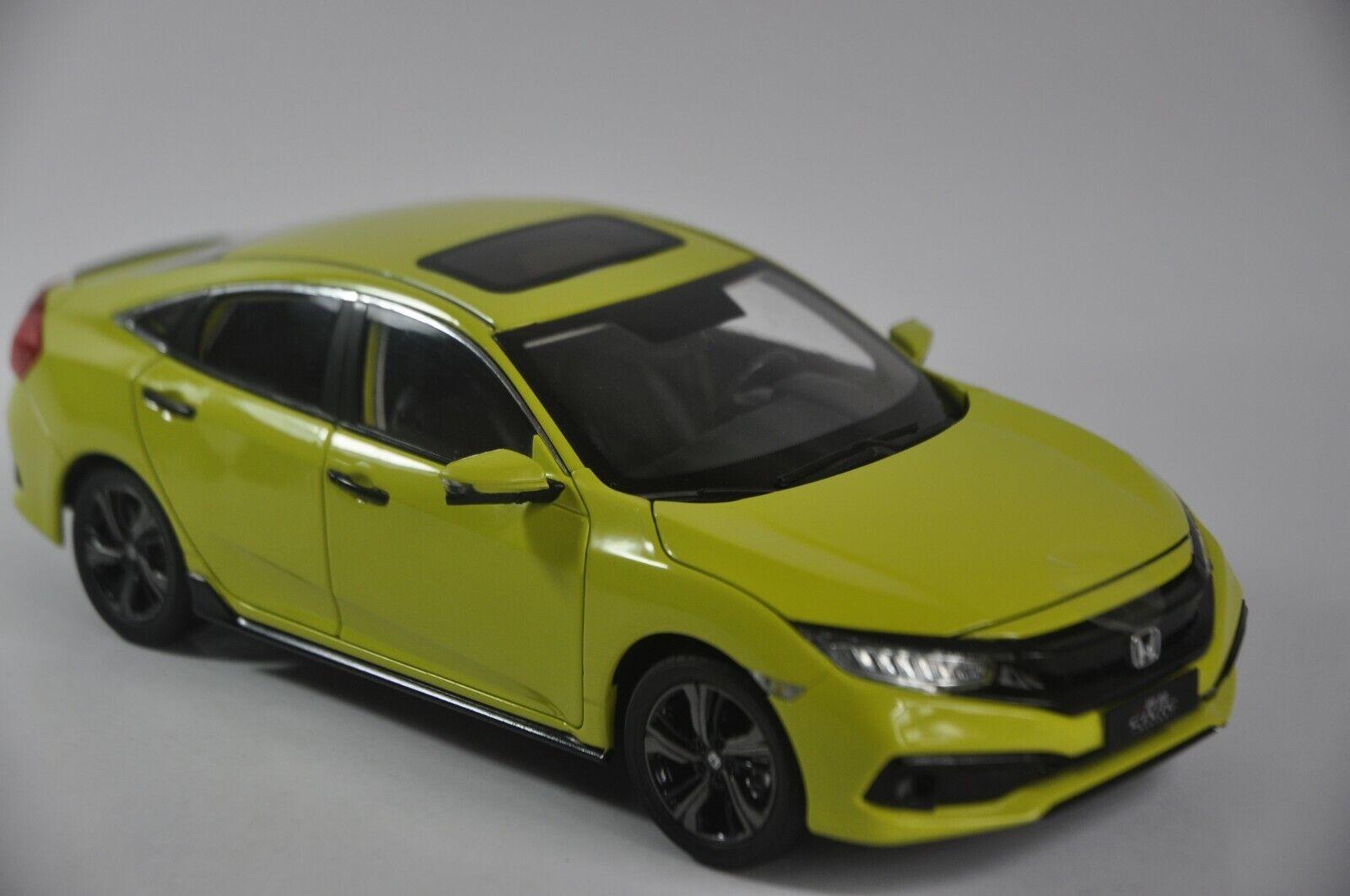 Honda Civic 2019 coche modelo en escala 1 18 giallo