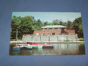 VINTAGE-CASINO-ON-IROQUOIS-LAKE-in-CENTRAL-PARK-NEW-YORK-POSTCARD