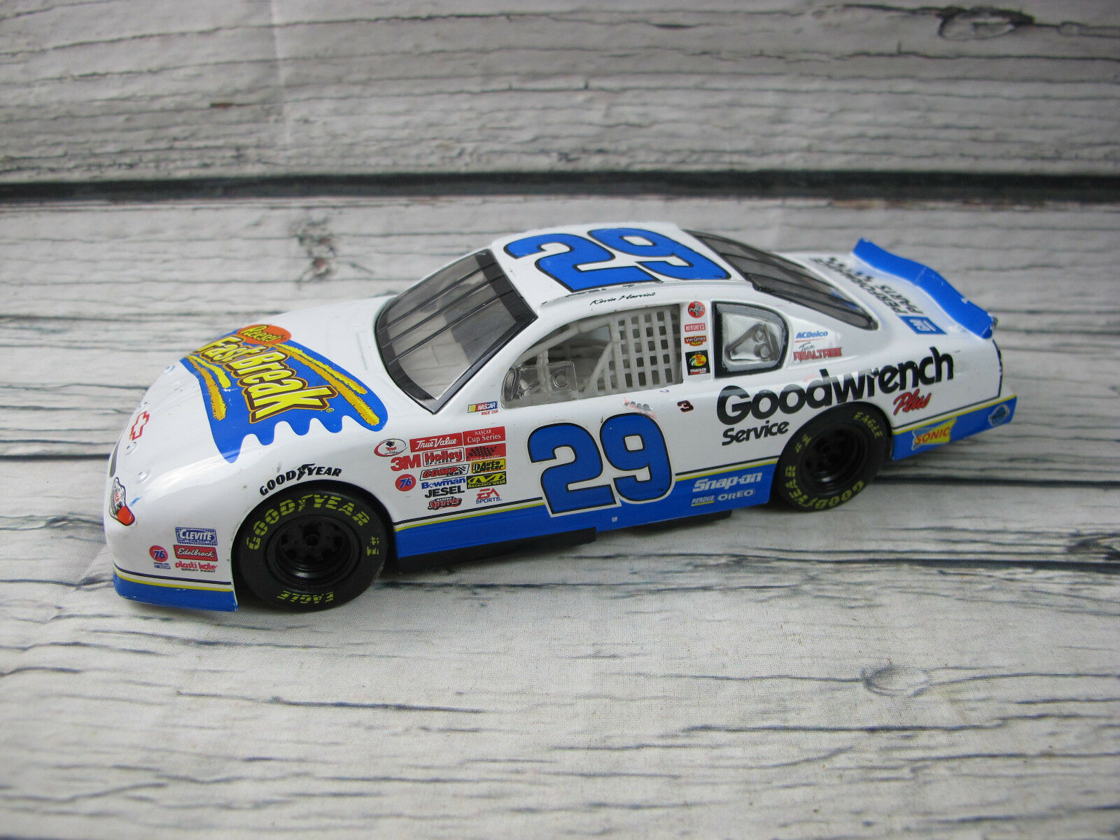 Kevin Harvick 2002  29 Goodwrench Fast Break Monte Carlo Action 1 24 Scale