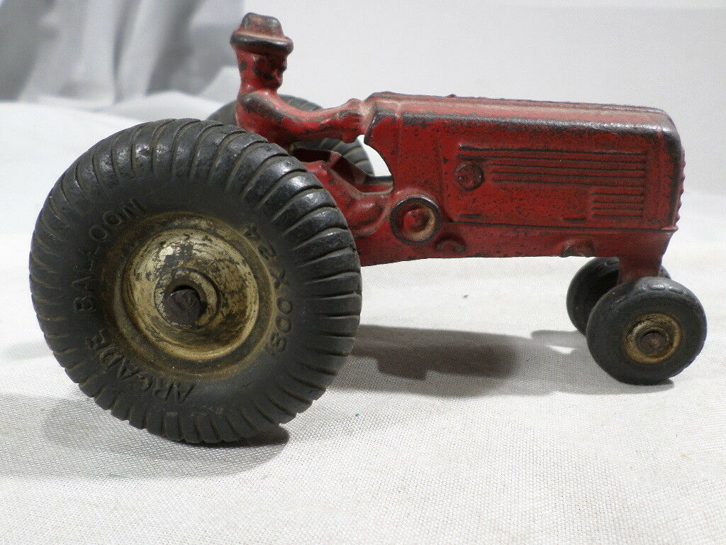 Arcade Oliver 70 Tractor 1930's Cast Iron with Arcade Label
