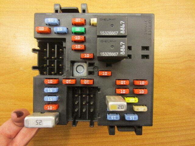 03 04 05 06 07 Hummer H2 Dash Fuse Box 15266952 Relay Block