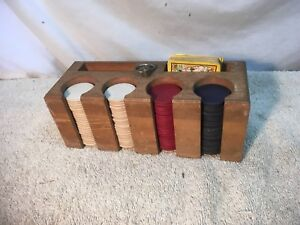 VINTAGE-1950S-60S-POKER-CHIPS-IN-WOOD-CARD-HOLDER-CADDY-TRAVEL-GAMBLING
