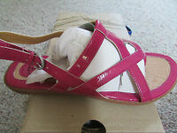 Born B.o.c Cait Pink Sandals Womens 9 Pink Patent Free Ship