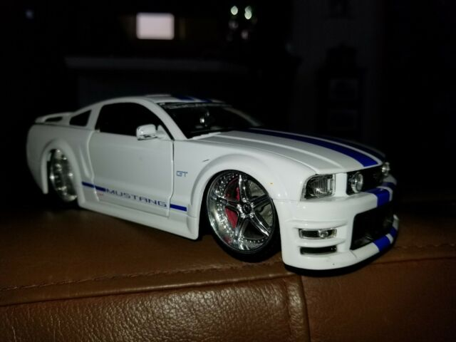 Jada Ford Mustang GT 1/24 scale