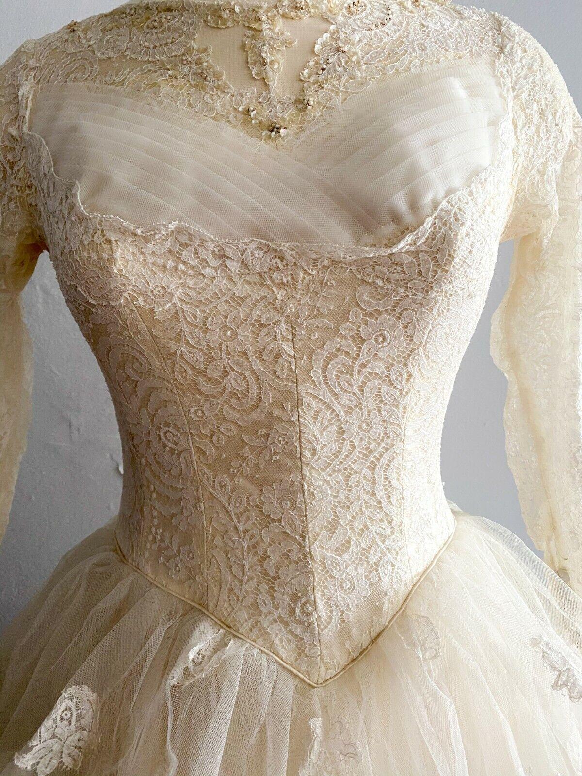 1950's Vintage Wedding Dress Lace w/Juliet Cap & … - image 5