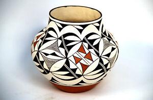 Details about Laguna Pueblo Indian NM Polychrome Pottery Jar by Lee Ann  Cheromiah 7 5