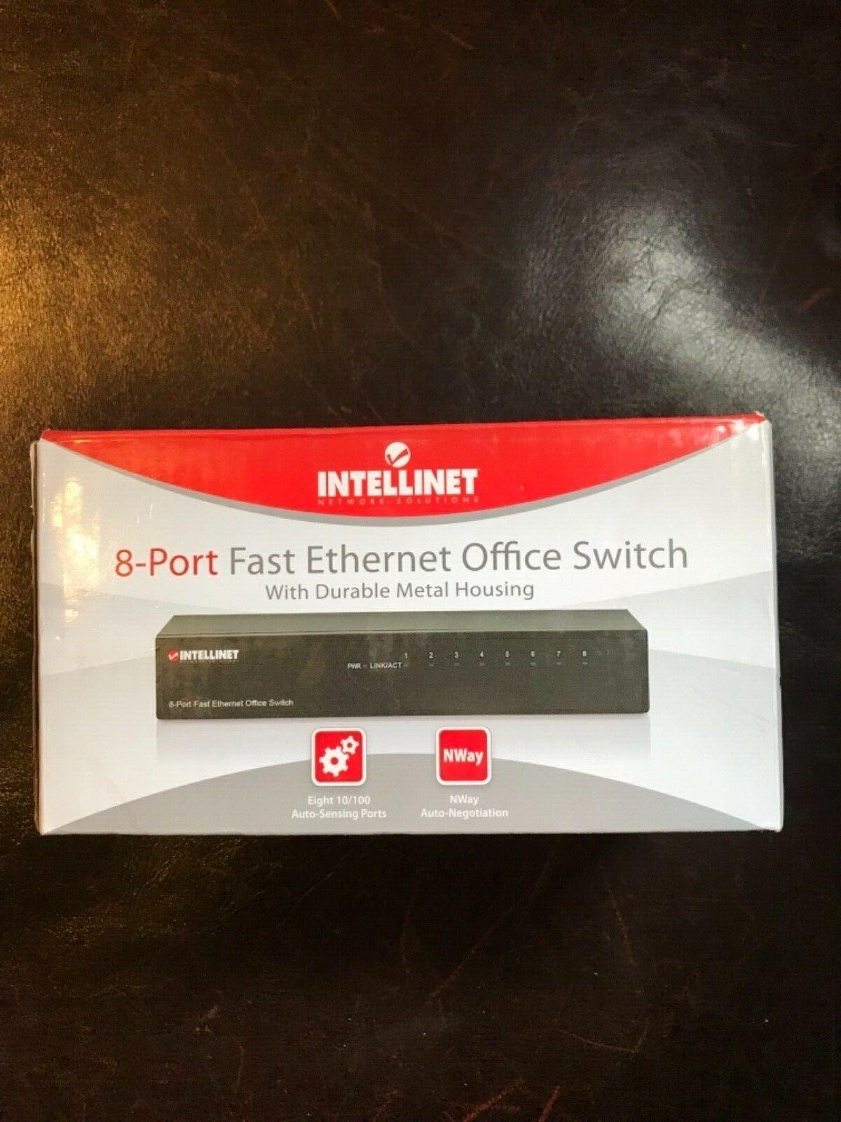 8 Port INTELLINET 523318 Desktop Ethernet Switch