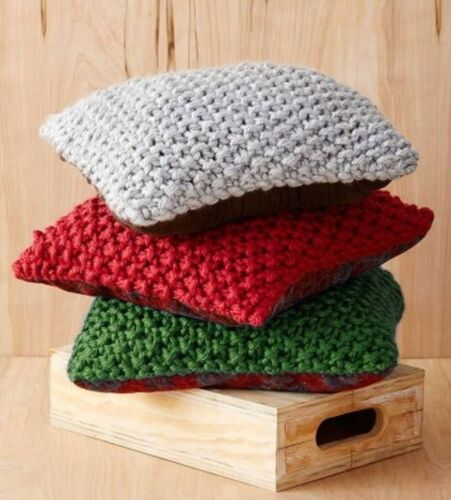 V199 KNITTING PATTERN FOR CUSHION COVERS