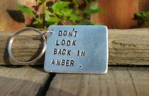 Don-039-t-look-back-in-anger-Keyring-Oasis-Lyrics-Liam-Noel-Gallagher-GIFTS-for-Him