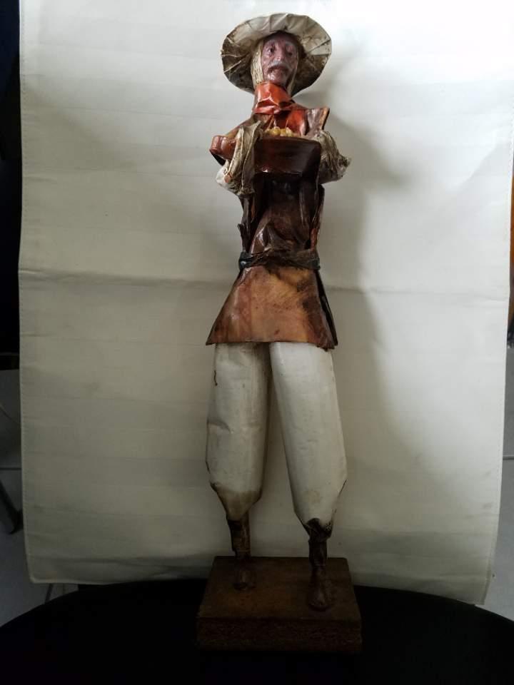 Antiguo Vintage hecha a mano de papel maché la celebración de maíz & pintado en placa figura 15 H