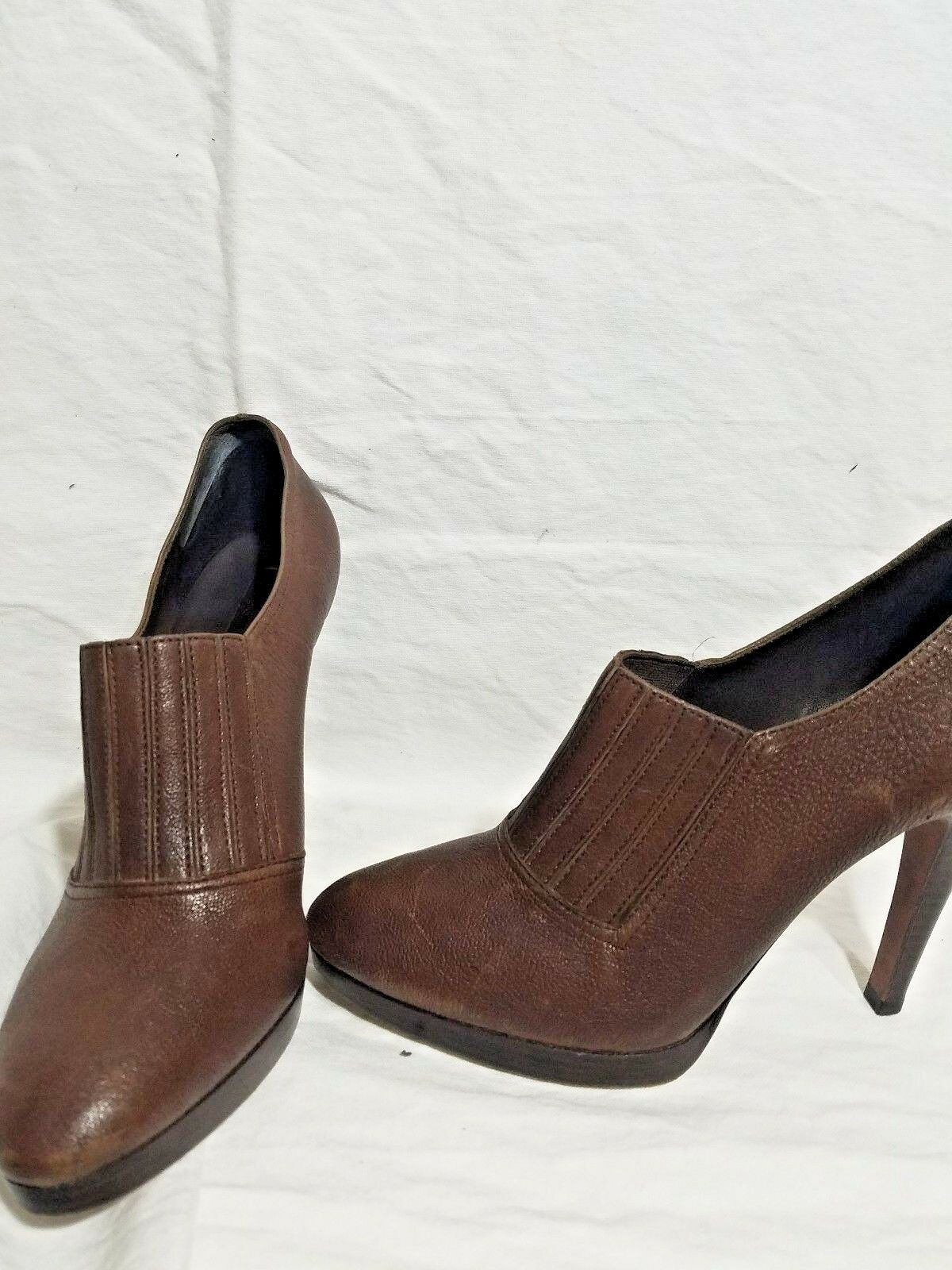 BCBG Catilda Brown Genuine Leather Leather Leather Booties Sz 9.5 456bd9