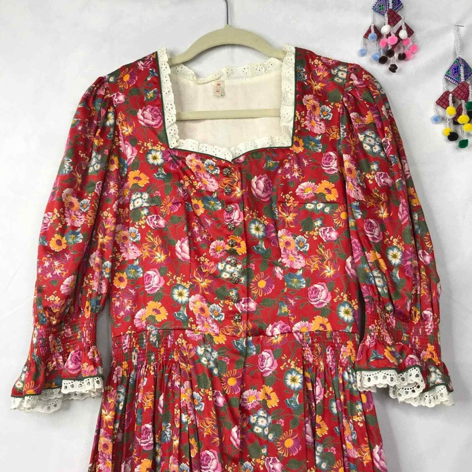 60s Style cottagecore floral prairie pleated dress - image 3