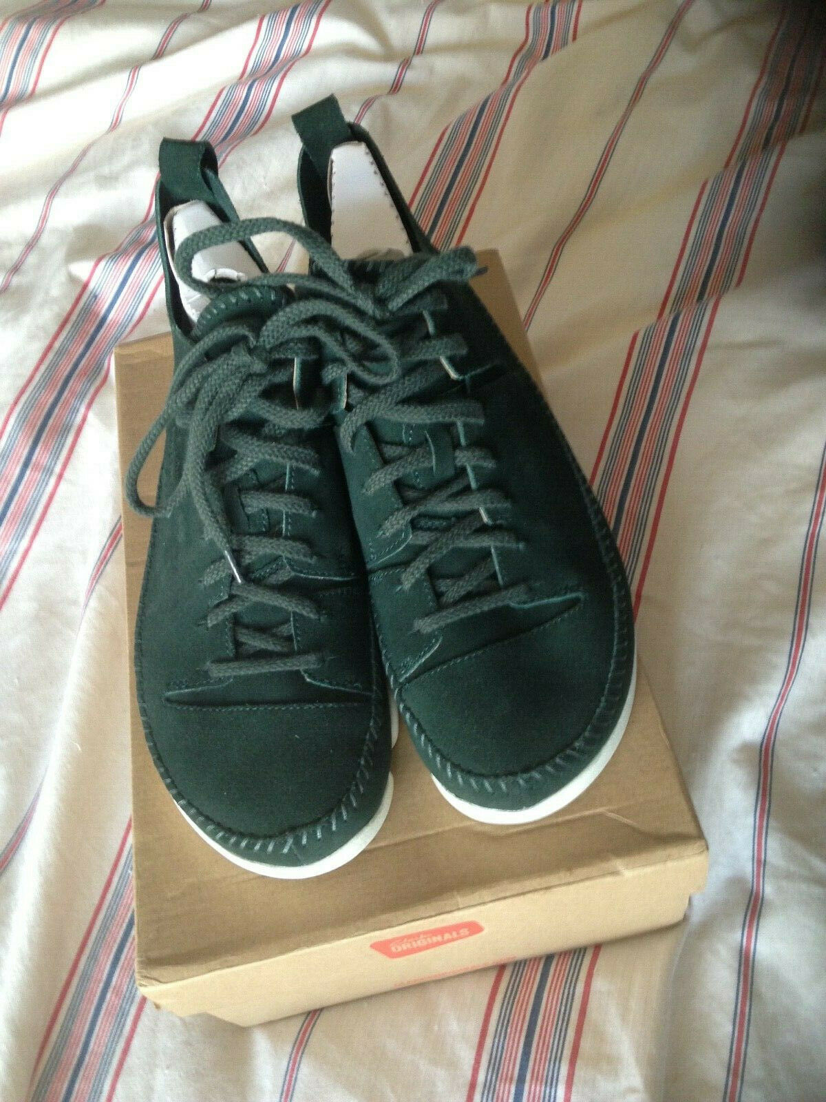 Clarks trigenic Flex Homme UK 9 Vert foncé Daim New in Box