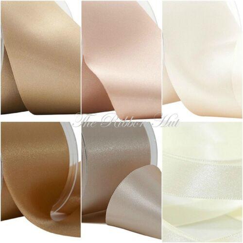 Free P /& P Doble cinta de raso Berisfords neutral 7 tonos 4 longitudes 8 anchos