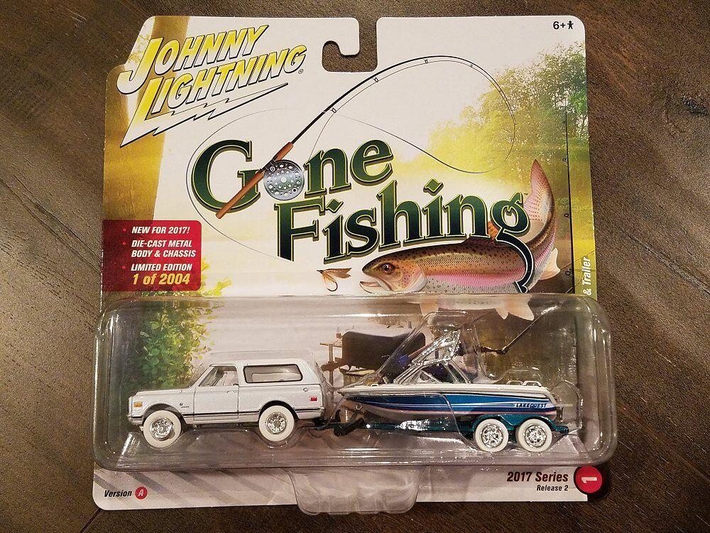 Johnny Lightning 1 64 Gone Fishing 1969 Chevrolet Blazer Boat & Trailer Chase