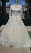 Vintage wedding dress lace beige/ivory A-line princess look small S