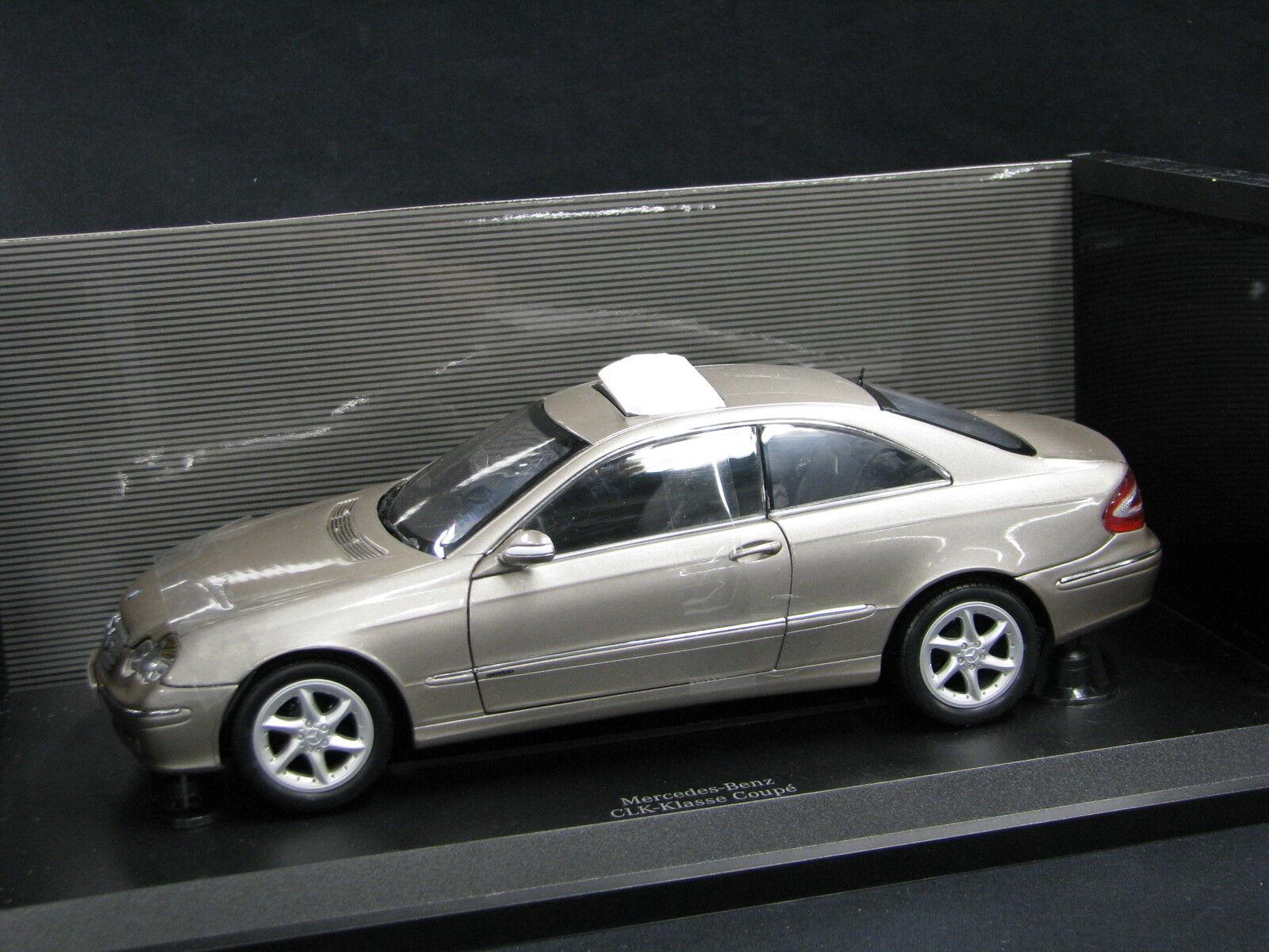 Kyosho Mercedes-Benz CLK-Class Coupé 1 18 Champagne (JS)