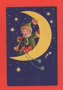 klein-Kobold-auf-seinem-Halb-Mond-J4715