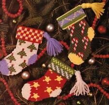 ORNAMENTAL STOCKINGS CHRISTMAS PLASTIC CANVAS PATTERN INSTRUCTIONS