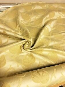 LUXURIOUS-LIGHT-GOLD-DAMASK-CURTAIN-UPHOLSTERY-FABRIC-3-3-METRES
