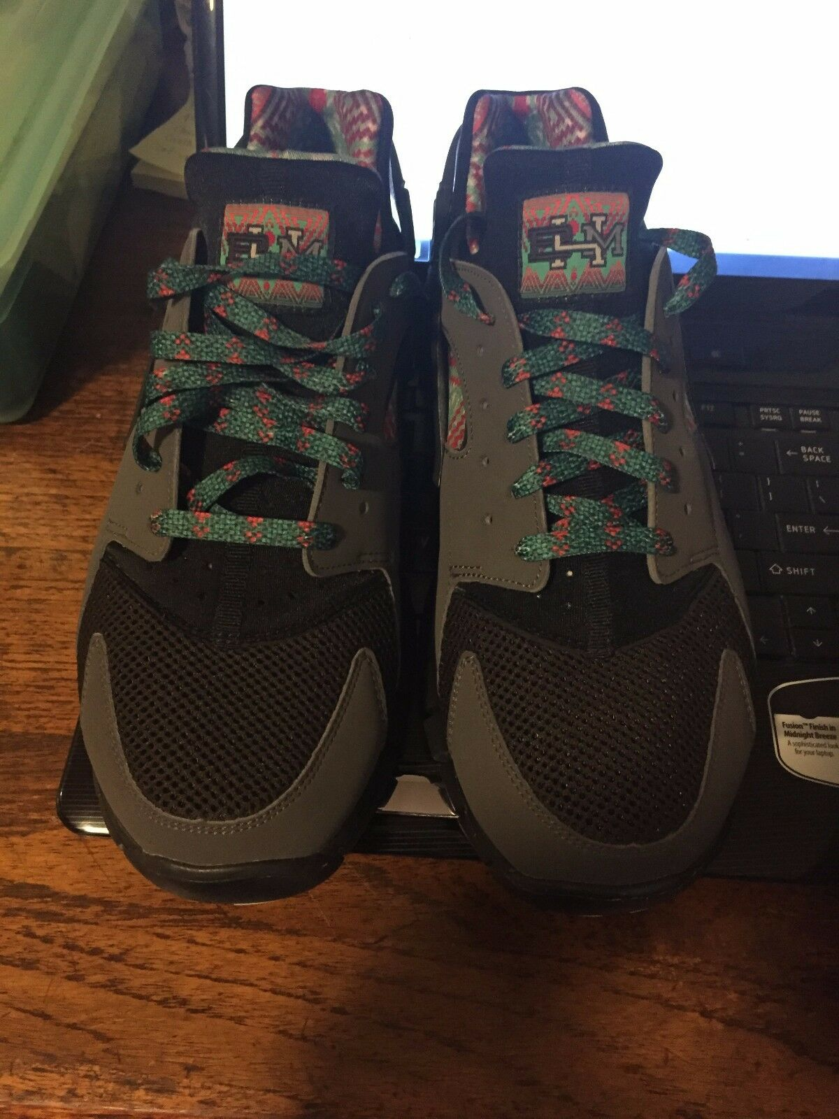 HUARACHE FREE 2012 BHM BLACK HISTORY MONTH Size 10.5 DS