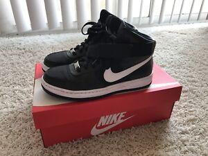 Nike Black AF1 Ultra Force Mid Size 6.5 (B M)