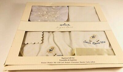 Hallmark Baptism  Gift Set Bonnet blanket gift card  R$40.00 our 1PRA4033 bib