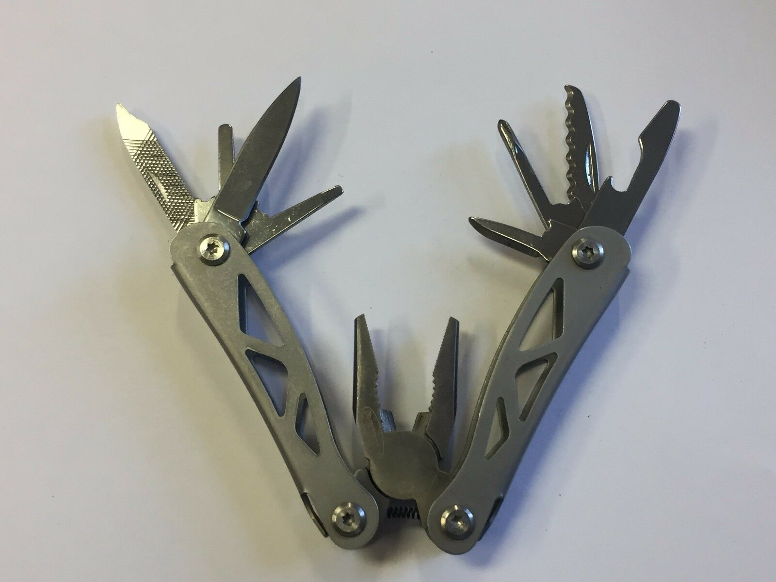 ALL METAL MULTI-TOOL SHEFFIELD POCKET KNIFE WITH PLIERS