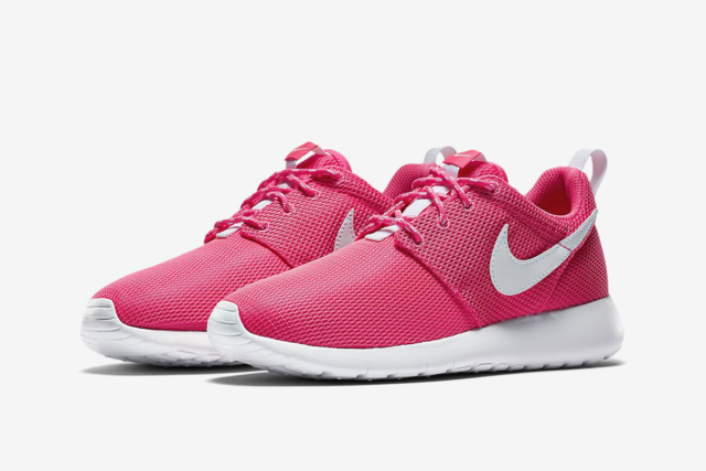 best sneakers c611e 431ca  65 NEW NIKE ROSHE ONE GS RETRO HYPER PINK YEEZY SHOES WOMEN`S 8 YOUTH